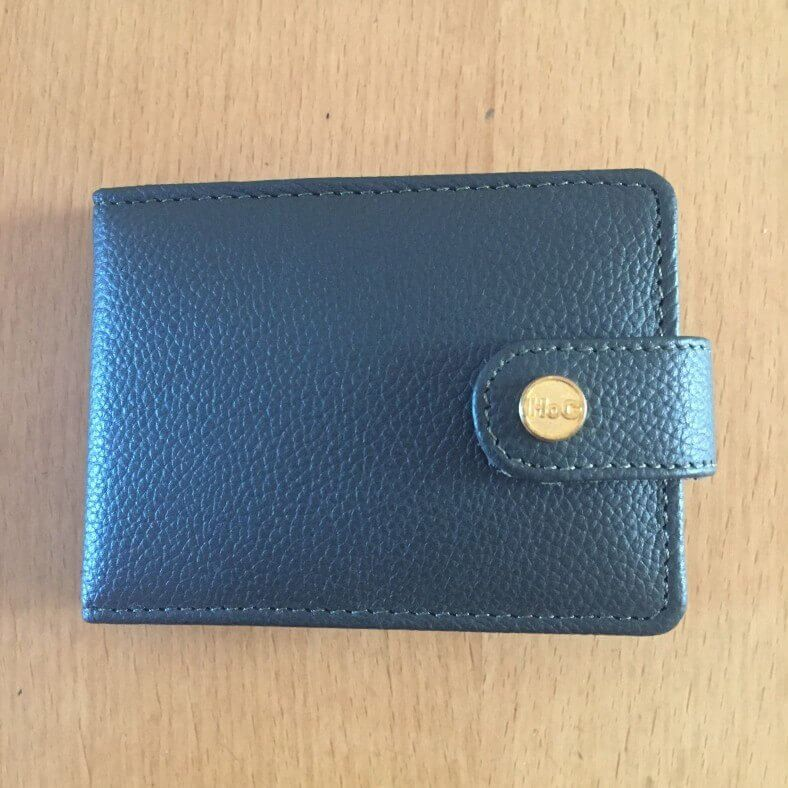 colour wallet closed